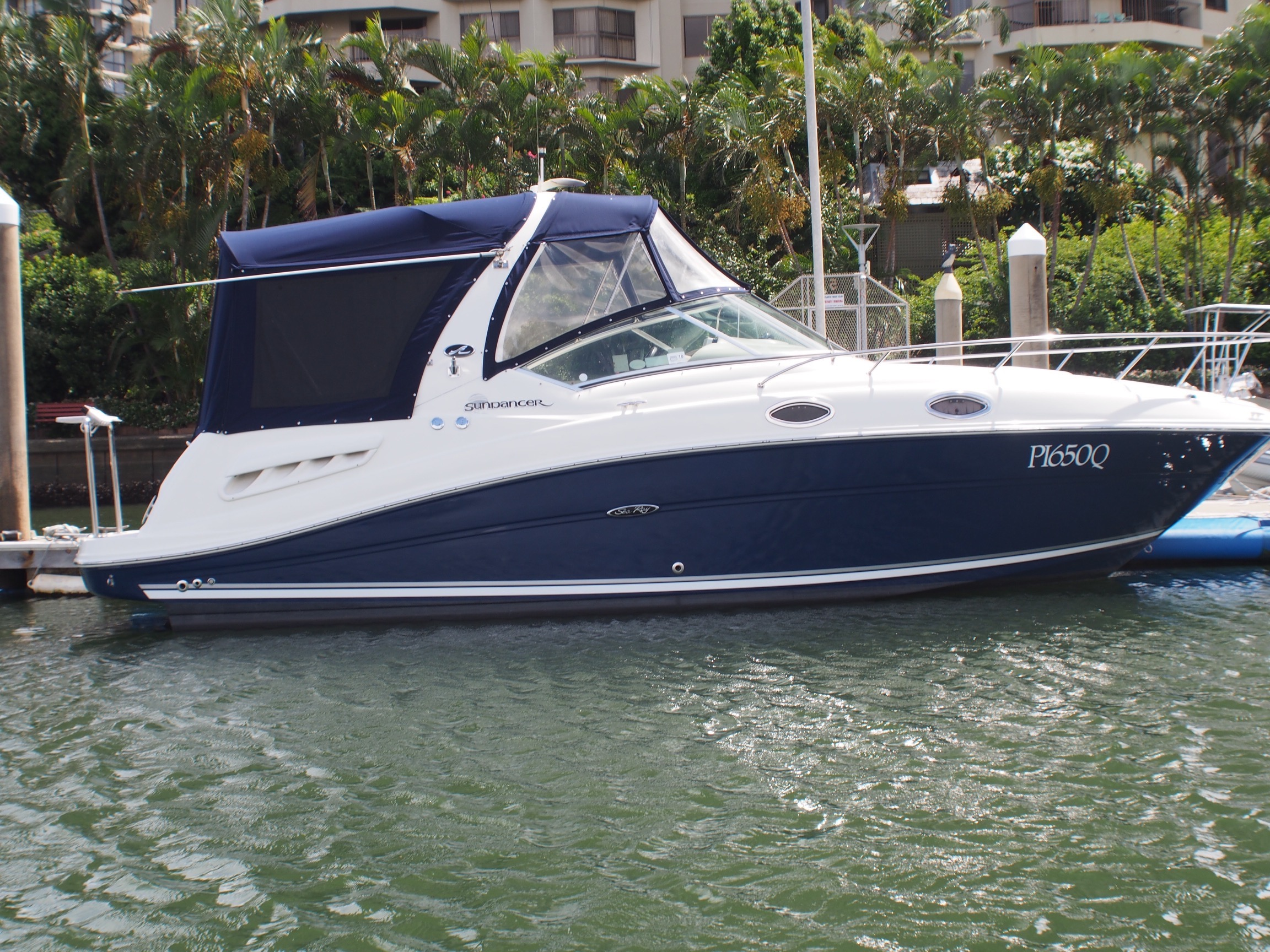 Sea Ray 275 Sports-Cruiser P14009