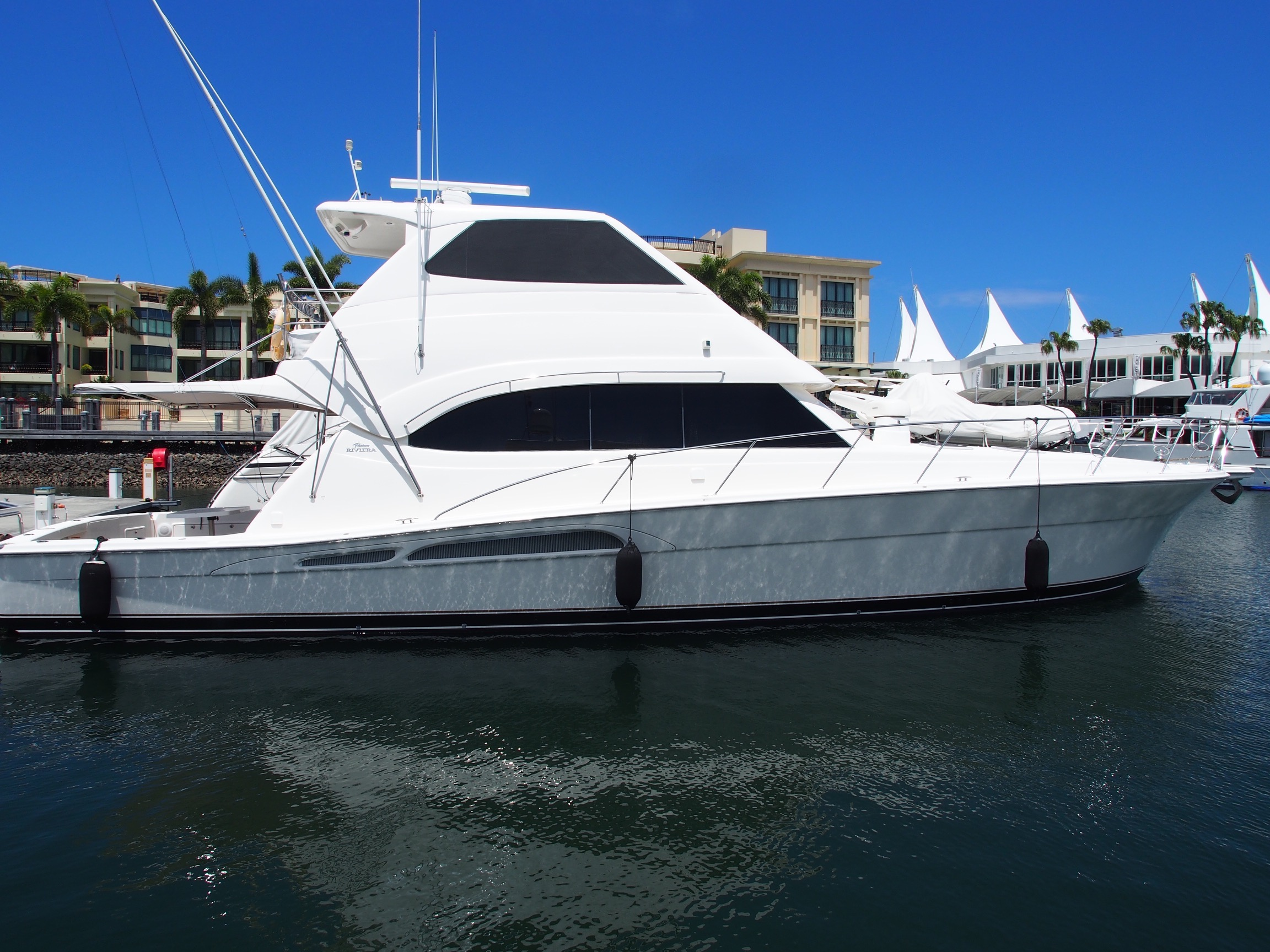 Riviera Enclosed FlyBridge 58