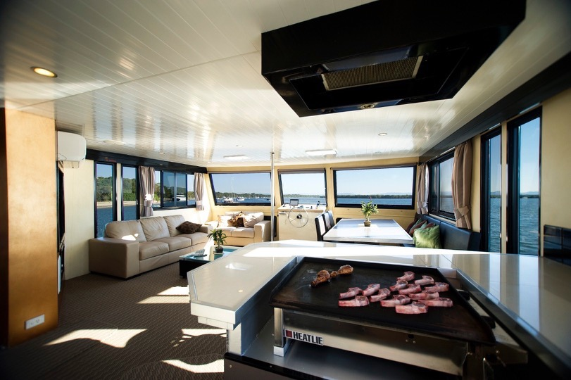 Commercial Houseboat/Good Returns or Fabulous Live-aboard Option $249000+GST
