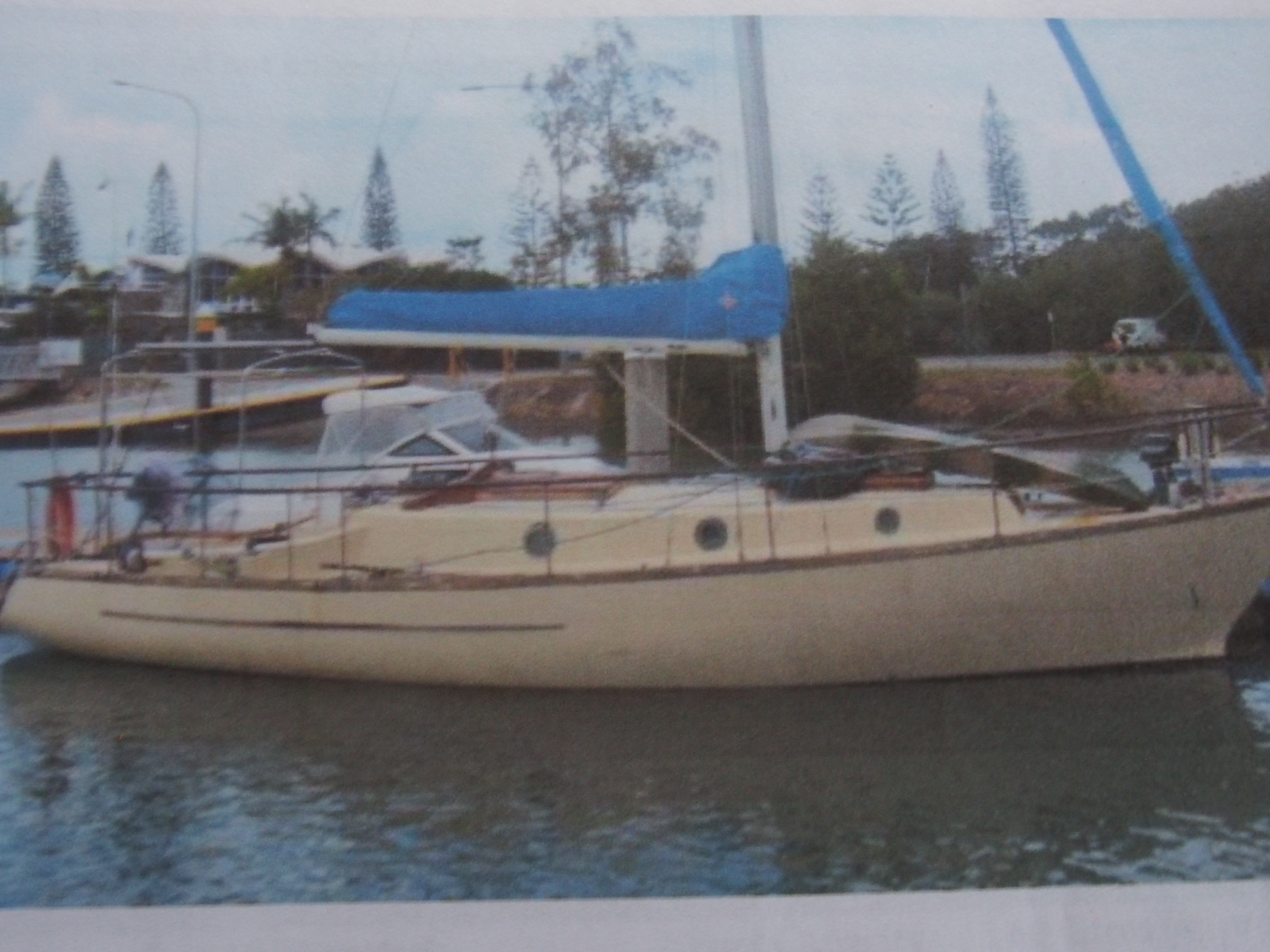 Kaufman 34 Fibreglass, Cruise Live-Aboard Now Just Add Some TLC